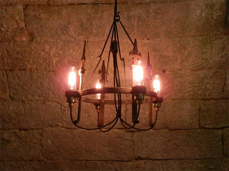 h ngeleuchter 4 flammig licht eisenlicht eisen. Black Bedroom Furniture Sets. Home Design Ideas